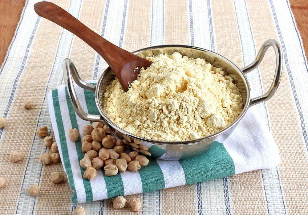 Las harinas derivadas de legumbres y frutos secos son una excelente fuente de proteínas y vitaminas en la dieta sin gluten.