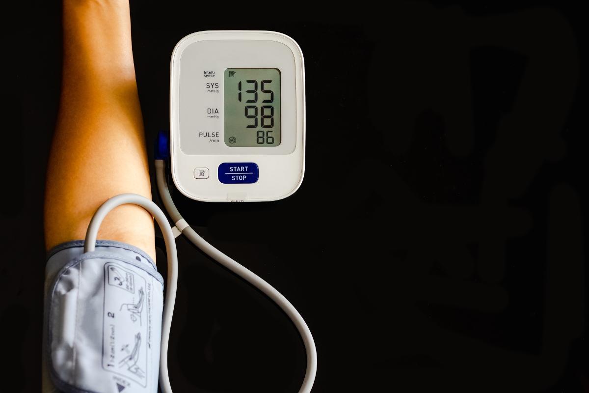 hipertensión: que es, valores, causas, síntomas y tratamiento