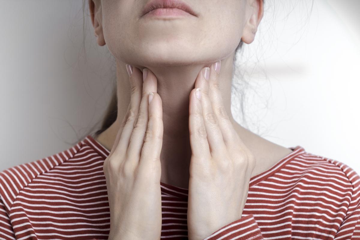 mononucleosis: qué es, causas, síntomas, tratamientos y prevención